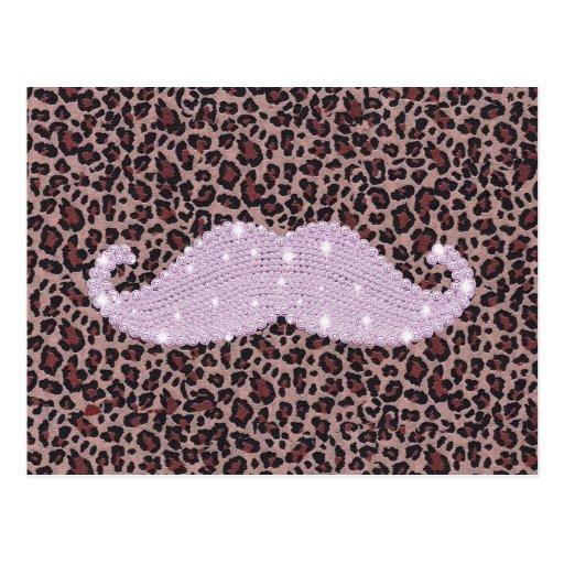 Modelo rosado divertido del bigote y del estampado tarjeta postal