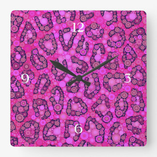 Modelo rosado fluorescente del guepardo reloj cuadrado