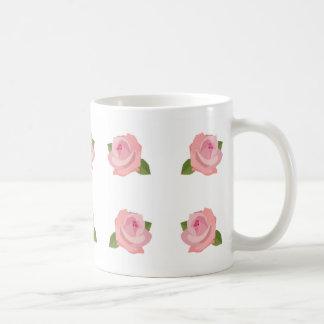 Modelo rosado grande de los rosas taza básica blanca