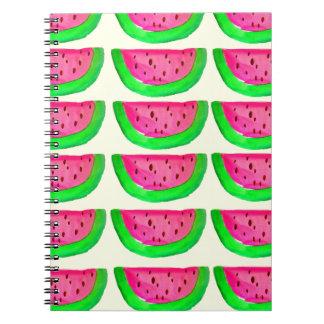 Modelo rosado jugoso de la fruta de la sandía en e libretas