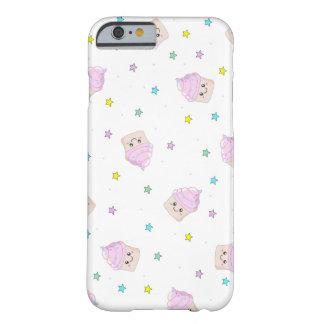 Modelo rosado lindo de las magdalenas funda de iPhone 6 barely there
