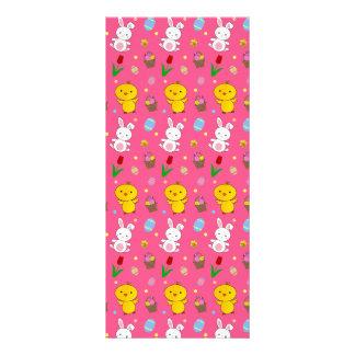 Modelo rosado lindo de pascua de la cesta del huev diseño de tarjeta publicitaria