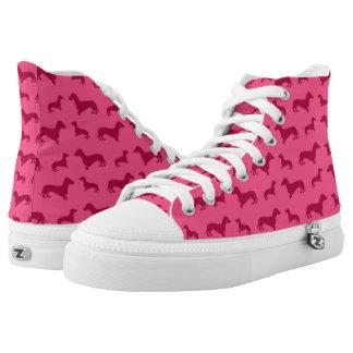 Modelo rosado lindo del dachshund zapatillas