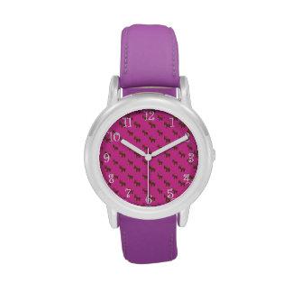 Modelo rosado lindo del reno relojes