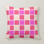 Modelo rosado tejado almohadas
