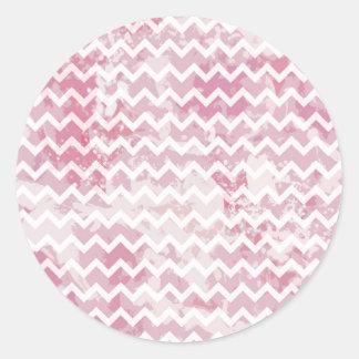 Modelo rosado texturizado de Chevron Etiquetas Redondas