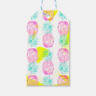 Modelo rosado tropical de las piñas del amarillo etiquetas para regalos