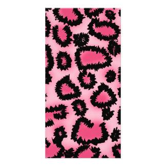 Modelo rosado y negro del estampado leopardo tarjeta fotográfica