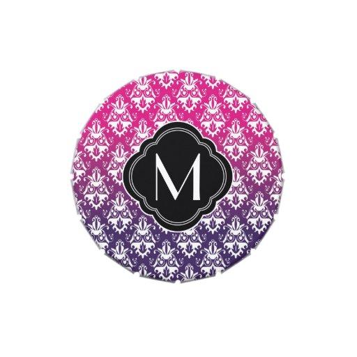 Modelo rosado y púrpura del damasco con el monogra