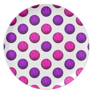 Modelo rosado y púrpura lindo del baloncesto platos para fiestas