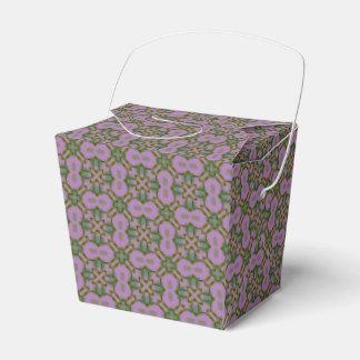 Modelo rosado y verde cajas para regalos de boda