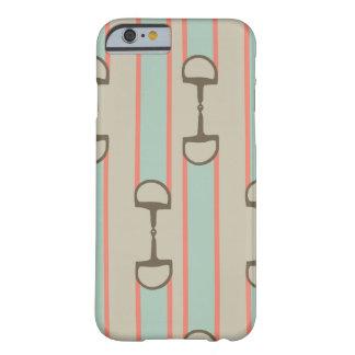 Modelo rosado y verde de la cinta del pedazo funda de iPhone 6 barely there