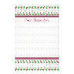 Modelo rosado y verde de los efectos de escritorio papeleria de diseño