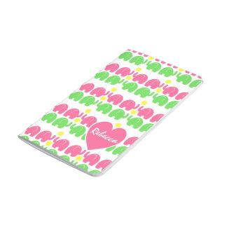 Modelo rosado y verde del elefante con nombre cuadernos grapados