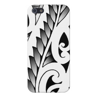 Modelo silverfern maorí del tatuaje con las hojas iPhone 5 carcasas