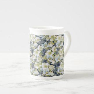 Modelo sombreado azul marino de los Hellebores Taza De Porcelana