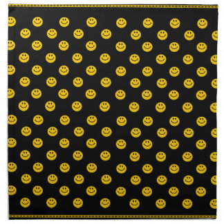 Modelo sonriente amarillo de la cara en negro servilleta de papel