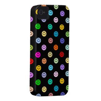Modelo sonriente multicolor de la cara del arco iPhone 4 Case-Mate coberturas