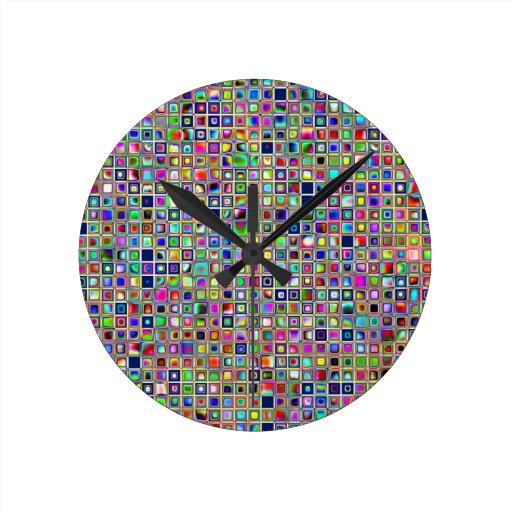 Modelo texturizado arco iris festivo de las tejas  reloj redondo mediano