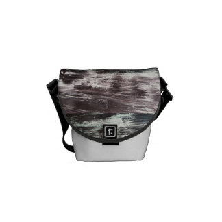 Modelo texturizado blanco y negro bolsas messenger