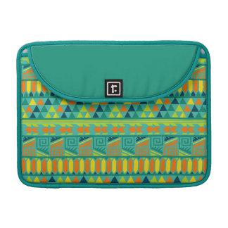 Modelo tribal azteca abstracto colorido de la funda macbook pro