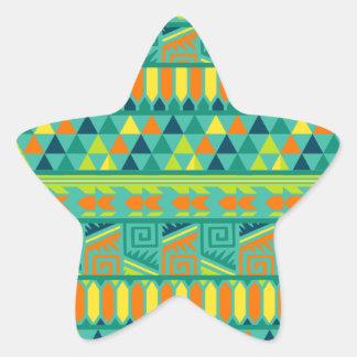 Modelo tribal azteca abstracto colorido de la pegatina en forma de estrella
