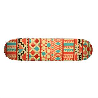 Modelo tribal azteca abstracto rosado de la patineta personalizada