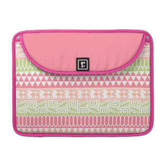 Modelo tribal azteca abstracto verde rosado de la funda para macbook pro