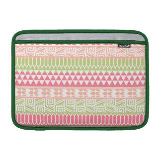 Modelo tribal azteca abstracto verde rosado de la fundas MacBook