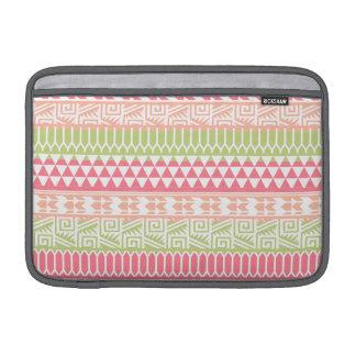 Modelo tribal azteca abstracto verde rosado de la fundas para macbook air
