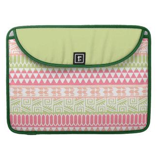 Modelo tribal azteca abstracto verde rosado de la fundas para macbooks
