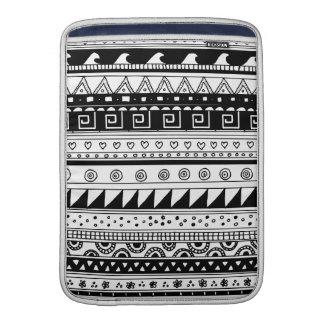 Modelo tribal blanco y negro funda para macbook air