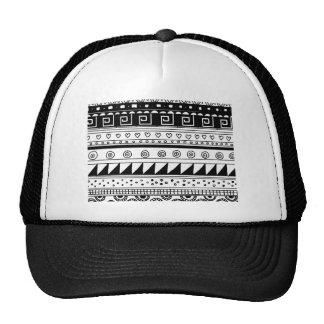 Modelo tribal blanco y negro gorra