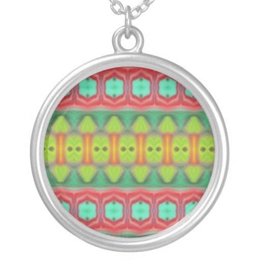 Modelo tribal colorido joyería