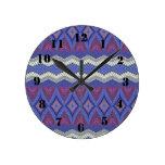 Modelo tribal de la alfombra reloj redondo mediano
