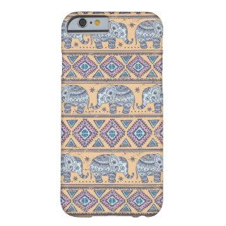 Modelo tribal del elefante étnico azul funda de iPhone 6 barely there