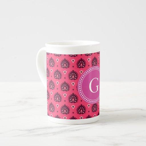 Modelo tribal del ikat femenino rosado lindo del v taza de porcelana