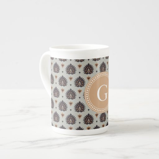 Modelo tribal del ikat marrón beige elegante del v taza de china
