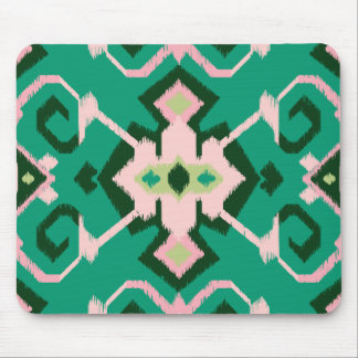 Modelo tribal del ikat rosado verde geométrico ele mousepads