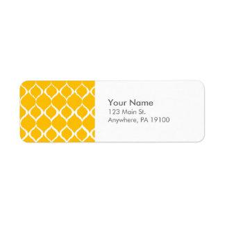 Modelo tribal geométrico amarillo de oro de la etiqueta de remitente