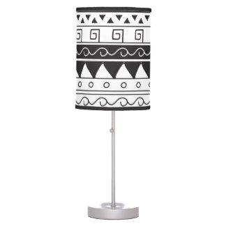Modelo tribal lámpara de mesilla de noche