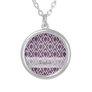 Modelo tribal púrpura del diamante de Ikat del Collar