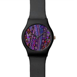 Modelo tribal púrpura enrrollado reloj