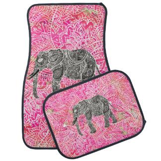 Modelo tribal rosado de la alheña del elefante de alfombrilla de auto