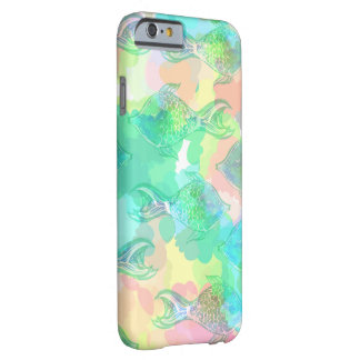 Modelo tropical de los pescados funda de iPhone 6 barely there