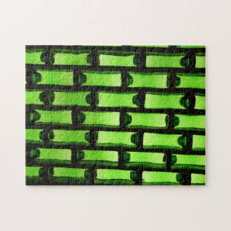 Modelo verde abstracto de la botella rompecabezas