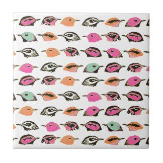Modelo verde anaranjado rosado lindo del pájaro azulejo cuadrado pequeño