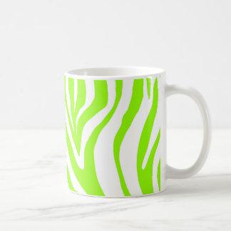 Modelo verde claro del estampado de animales de la taza de café