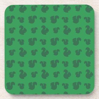 Modelo verde de la ardilla posavasos