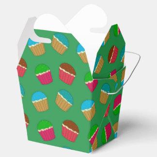 Modelo verde de la magdalena caja para regalos